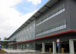 Poslovno garazna hisa Aerodrom Brnik